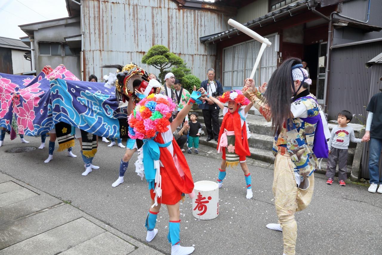 六渡寺の獅子舞 その1_c0196076_23261275.jpg