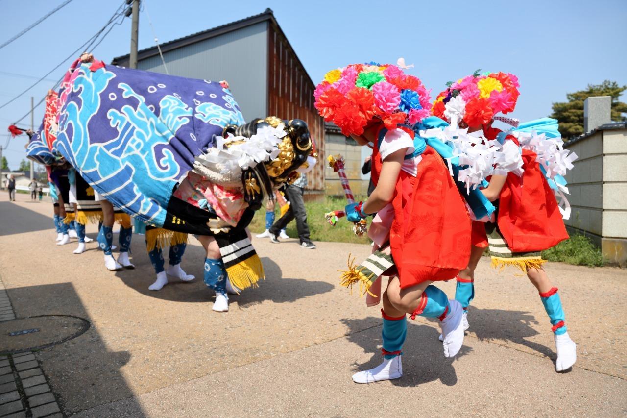 六渡寺の獅子舞 その1_c0196076_23345637.jpg