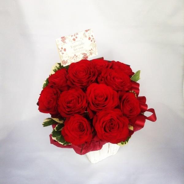 最近のフラワーサロンOSAMUはお花のわくわくパラダイスや~!!←藤井店長、本日の格言☆★_b0344880_18370708.jpg