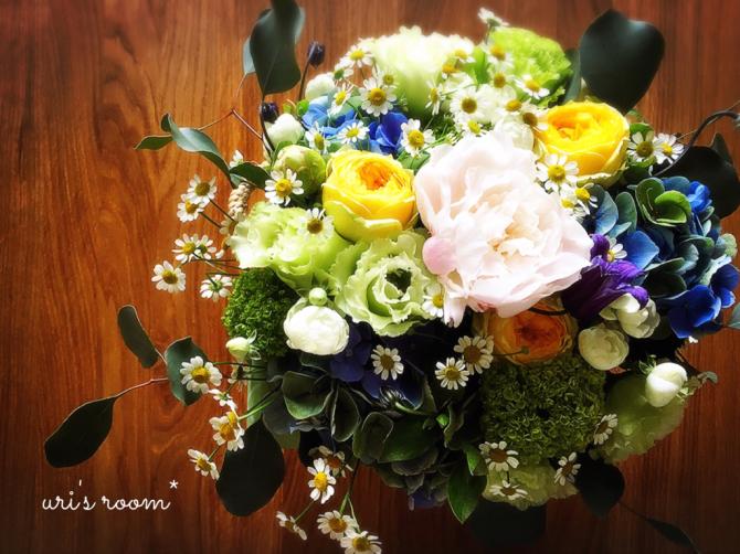 わが家のダイニングを彩る美しいお花と、スーモマガジン掲載のお知らせ!_a0341288_20484382.jpg