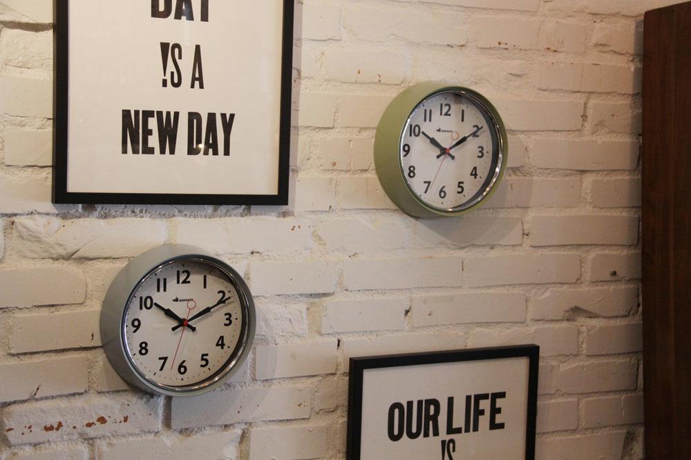 wall clock._e0228408_12430440.jpg