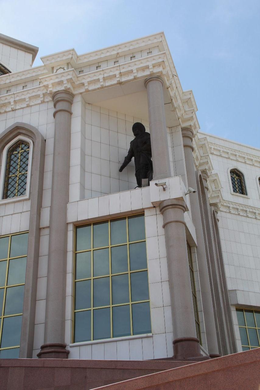 トルクメニスタンの旅(14) アシハバードからマリィへ_c0011649_05594336.jpg