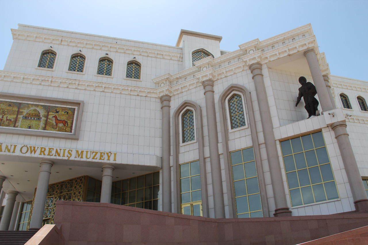 トルクメニスタンの旅(14) アシハバードからマリィへ_c0011649_13012904.jpg