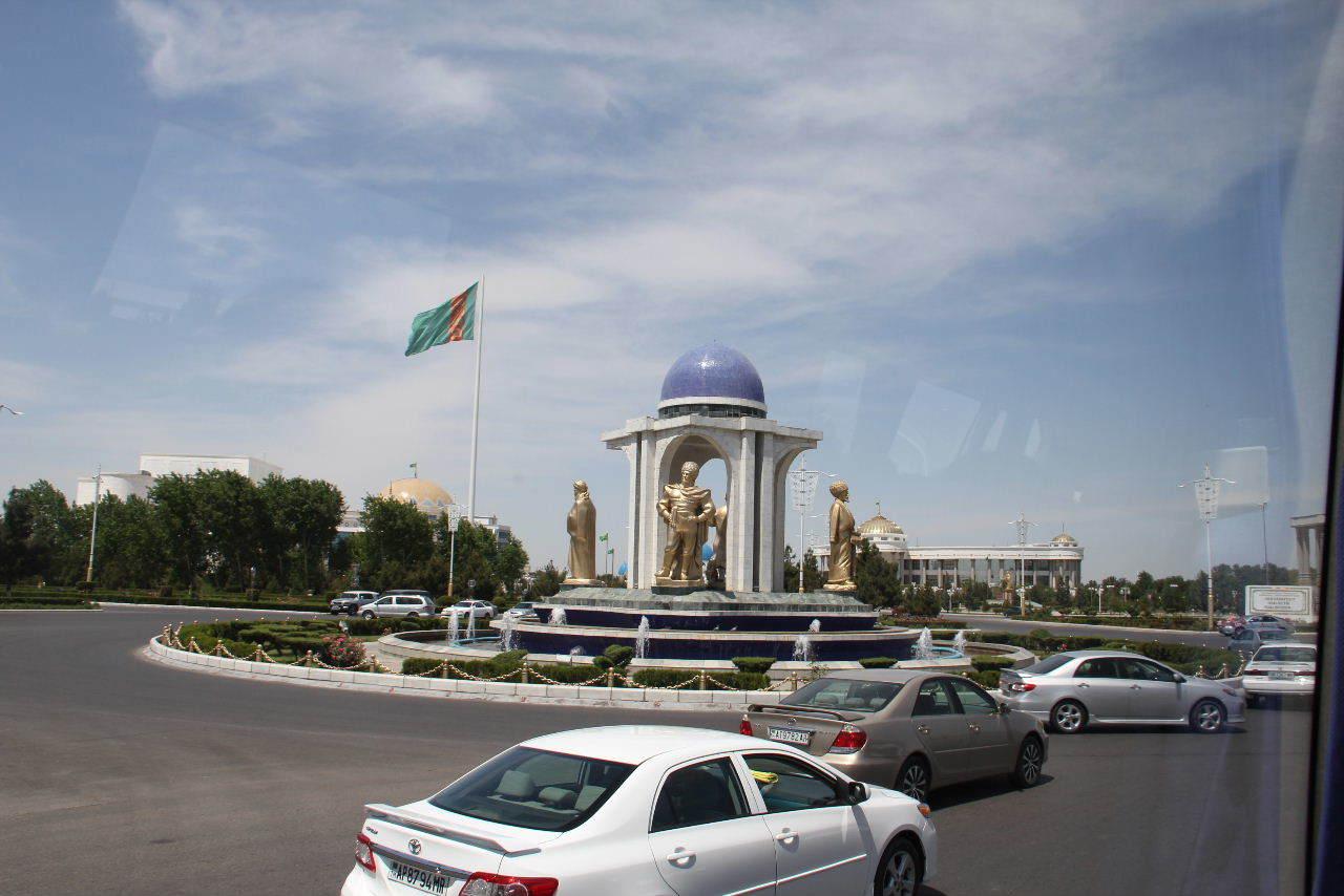 トルクメニスタンの旅(14) アシハバードからマリィへ_c0011649_13070377.jpg