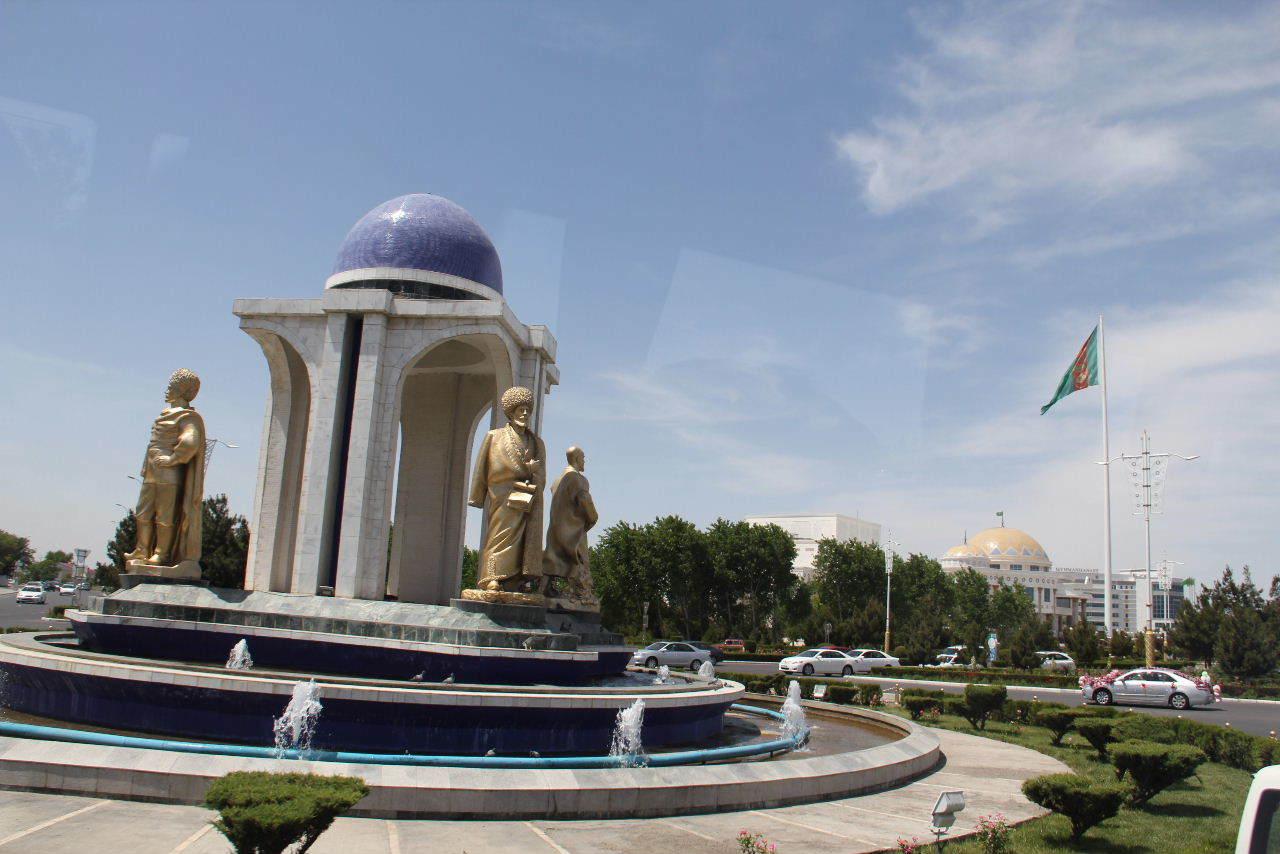 トルクメニスタンの旅(14) アシハバードからマリィへ_c0011649_13073926.jpg