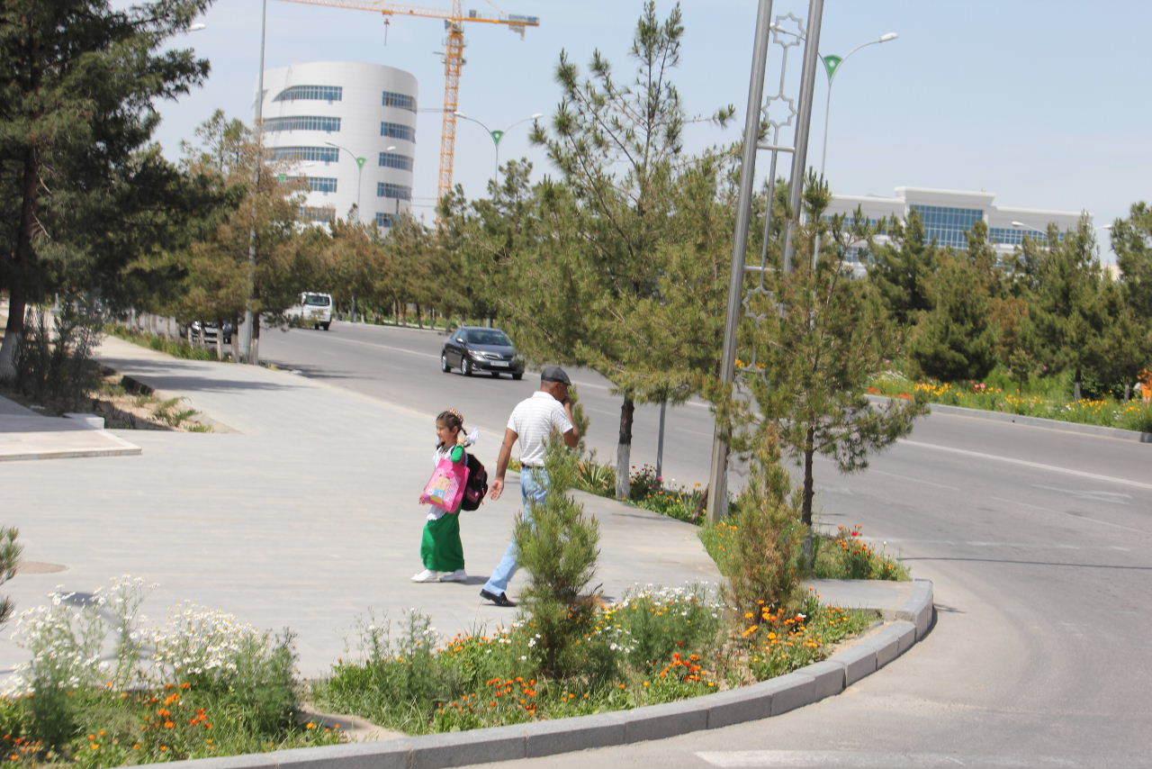 トルクメニスタンの旅(14) アシハバードからマリィへ_c0011649_13083626.jpg