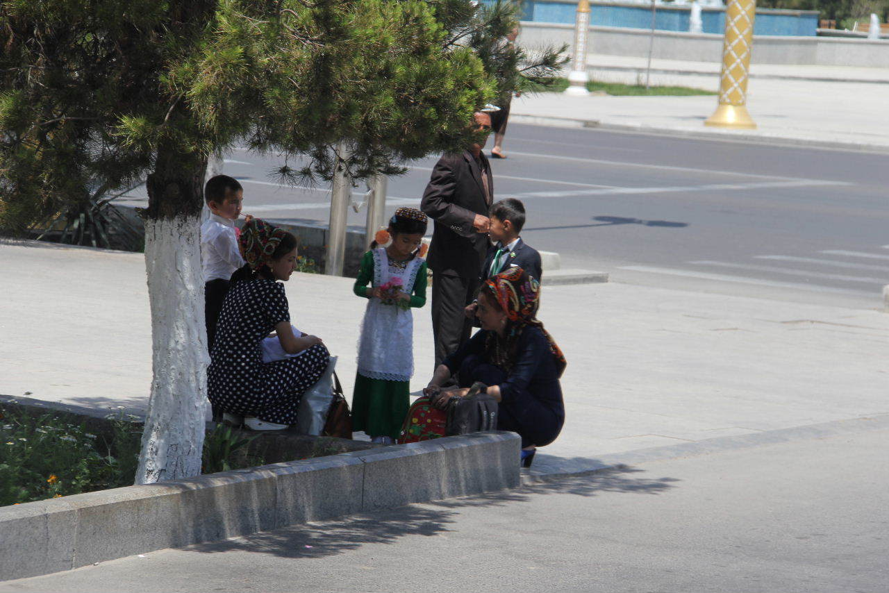 トルクメニスタンの旅(14) アシハバードからマリィへ_c0011649_13085439.jpg