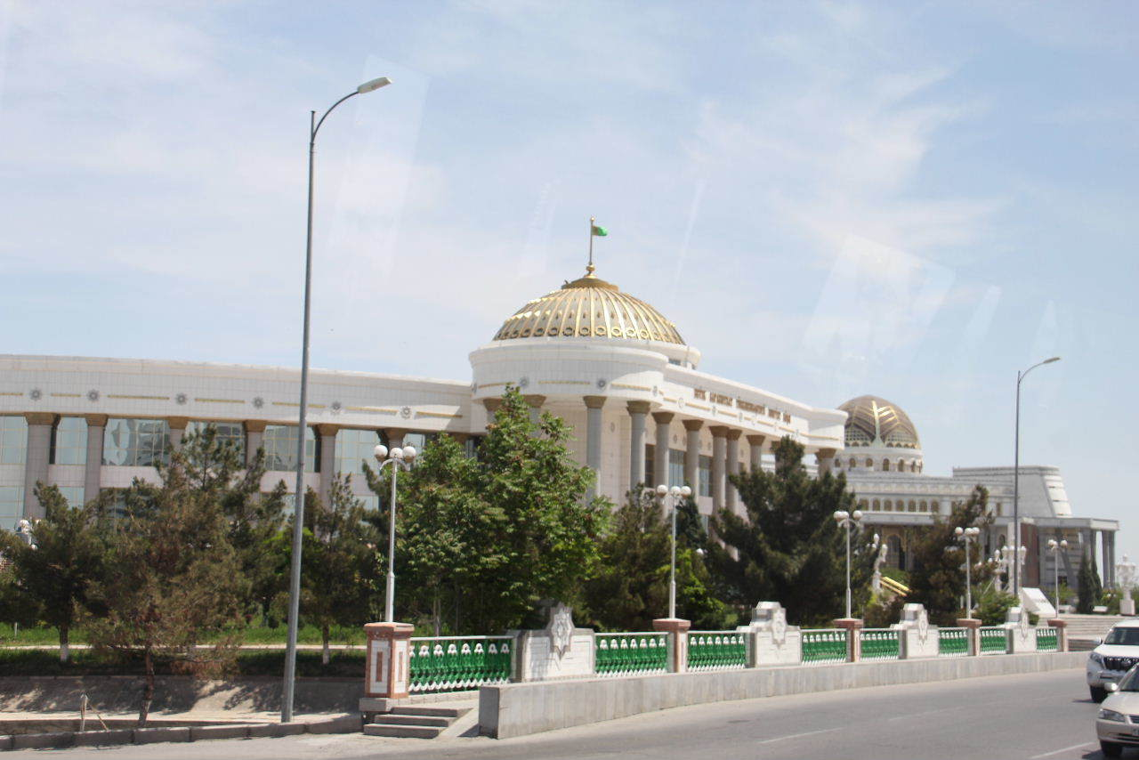 トルクメニスタンの旅(14) アシハバードからマリィへ_c0011649_13091376.jpg