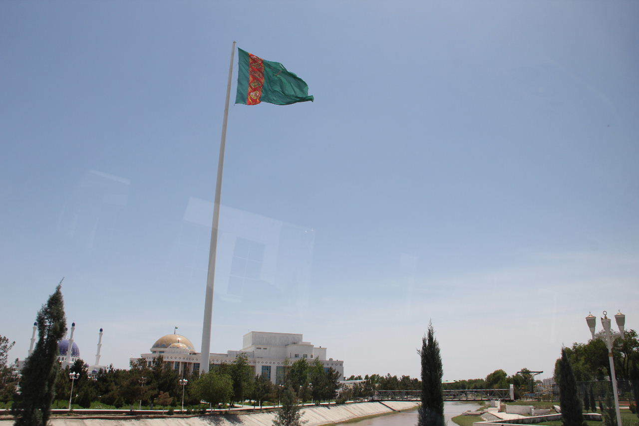 トルクメニスタンの旅(14) アシハバードからマリィへ_c0011649_13094114.jpg