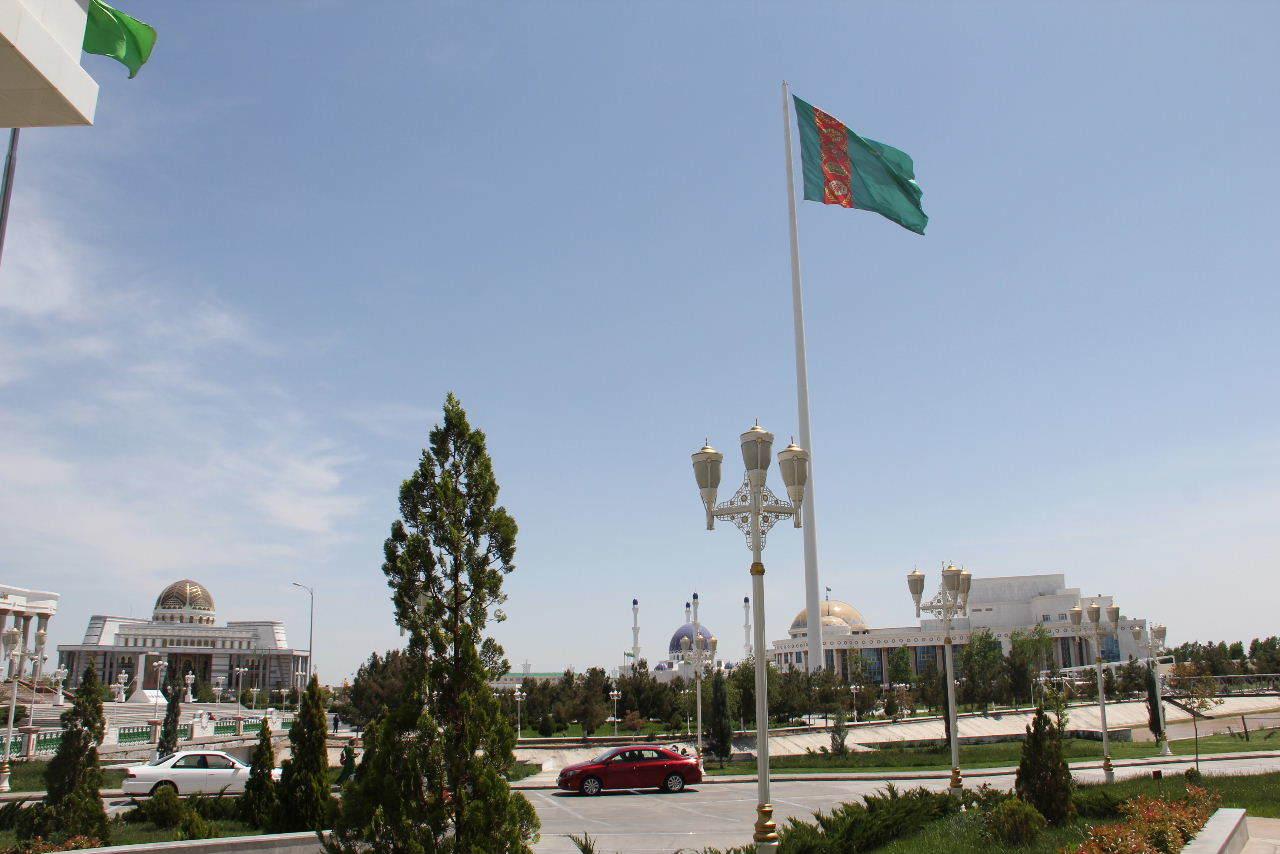 トルクメニスタンの旅(14) アシハバードからマリィへ_c0011649_13140537.jpg