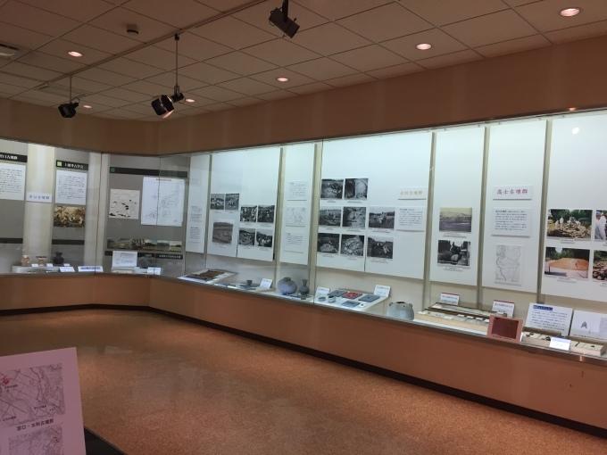 おすすめ観光スポット「古墳群と歴史民俗資料館」_d0182179_19184877.jpg