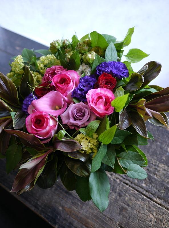 87歳のお誕生日に。「華やか。ピンク~赤~紫等」。真駒内緑町1にお届け。2017/05/27。_b0171193_17244591.jpg