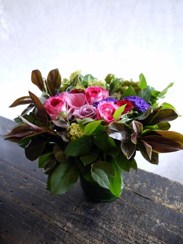 87歳のお誕生日に。「華やか。ピンク~赤~紫等」。真駒内緑町1にお届け。2017/05/27。_b0171193_17244868.jpg