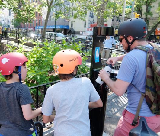 NYの公園にペットボトル専用の給水ステーション_b0007805_10531749.jpg