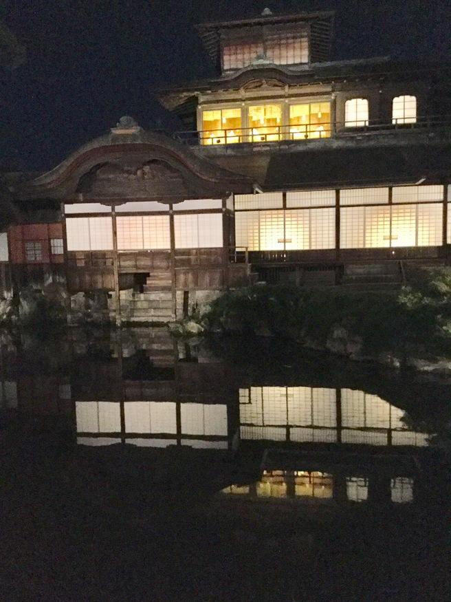 西本願寺のライトアップ_f0064017_2337195.jpg