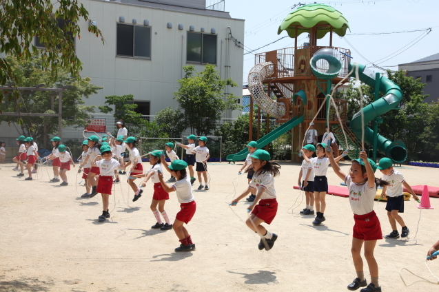 年中組・年長組の体操参観_b0277979_15412400.jpg