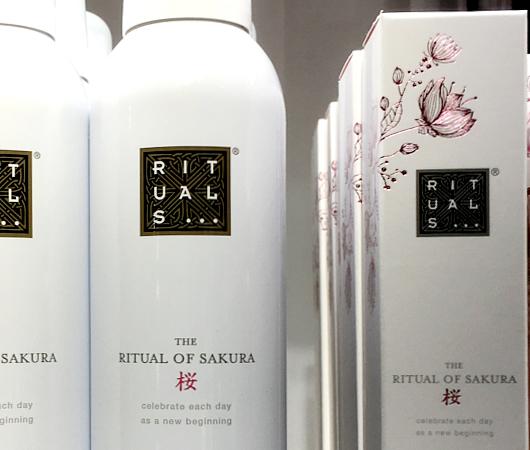 サムライ・シャンプーはいかがでしょう? RITUALS Home & Body Cosmetics_b0007805_23461569.jpg