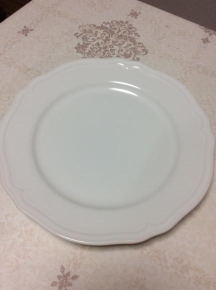 どんなお皿なら1枚で無駄なく使えるのか?断捨離するためのお皿選び。_a0188838_00381642.jpg