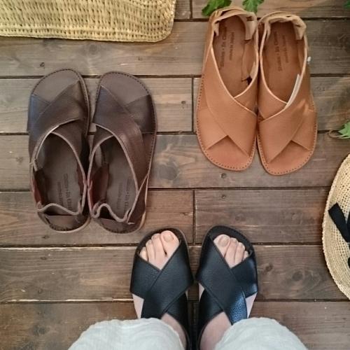 Shake・In cloak Leather cross flat sandal_c0118809_16485248.jpg