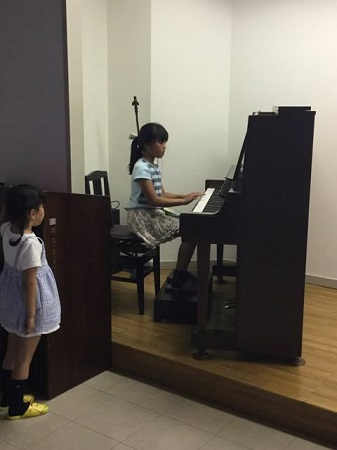 R・ピアノ教室 2017.5.31 プライベートコンサート_b0169513_10431263.jpg
