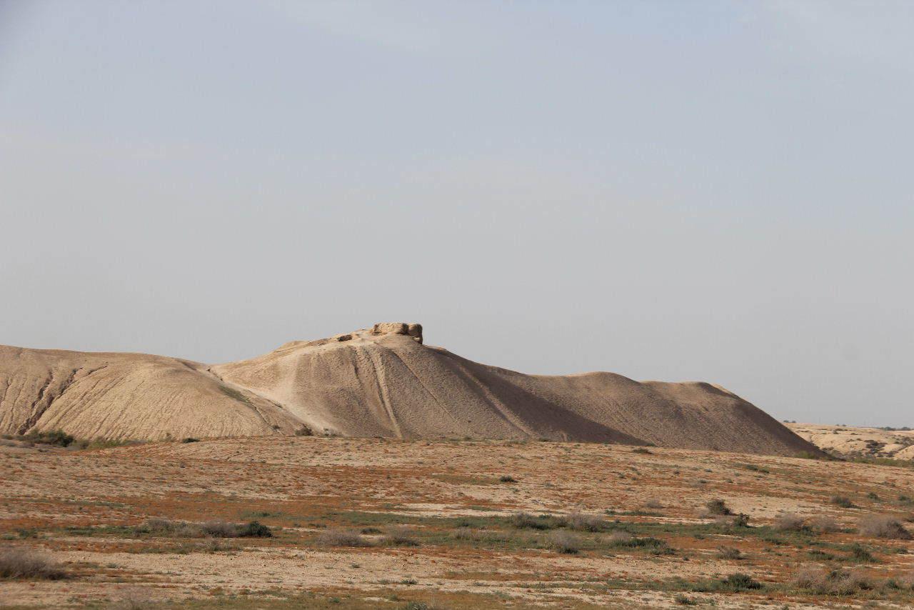 トルクメニスタンの旅(18) メルブ遺跡 エルク・カラ、グヤウル・カラ_c0011649_14240029.jpg