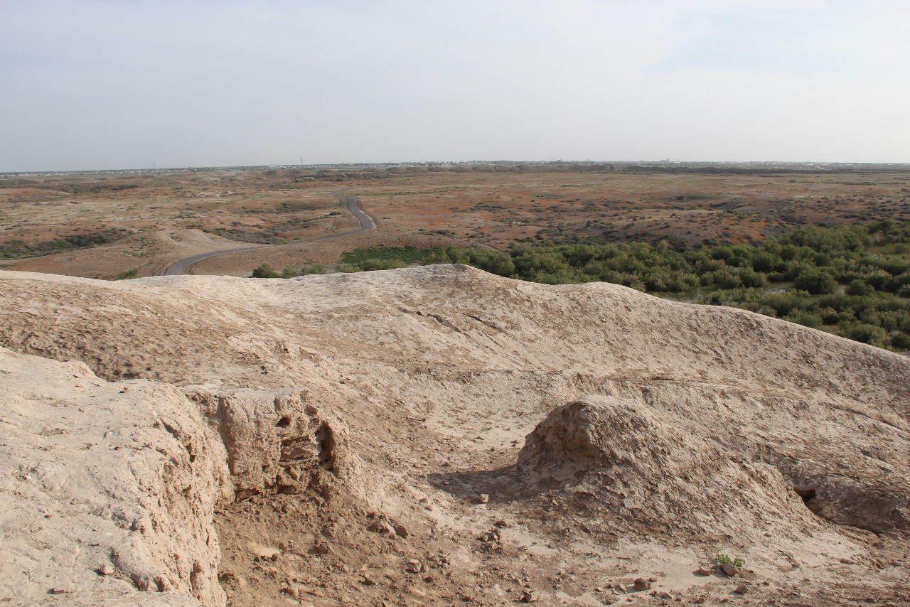 トルクメニスタンの旅(18) メルブ遺跡 エルク・カラ、グヤウル・カラ_c0011649_15105584.jpg