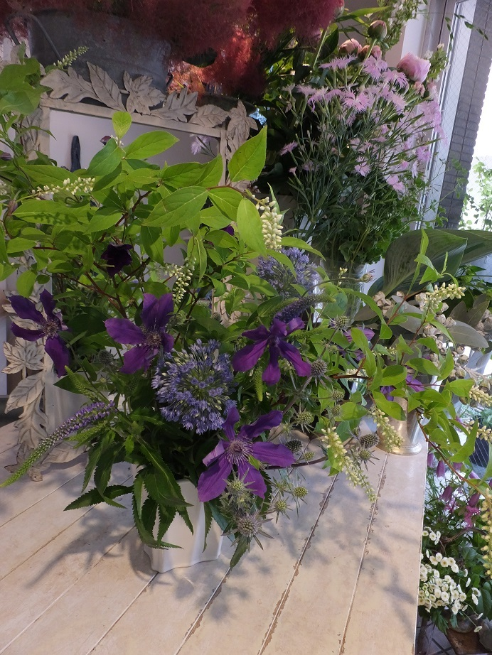 オークリーフ花の教室(甘艸さんと大草さんの作品)_f0049672_17581140.jpg