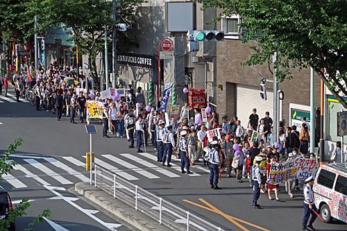 新宿でデモ 中野でデモ_a0188487_13435735.jpg