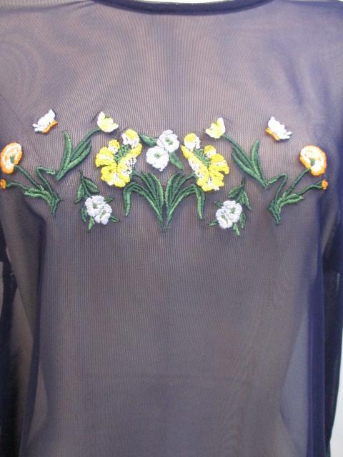 リリーブラウン Lily Brown フラワー刺繍カットトップス_e0076692_19350572.jpg