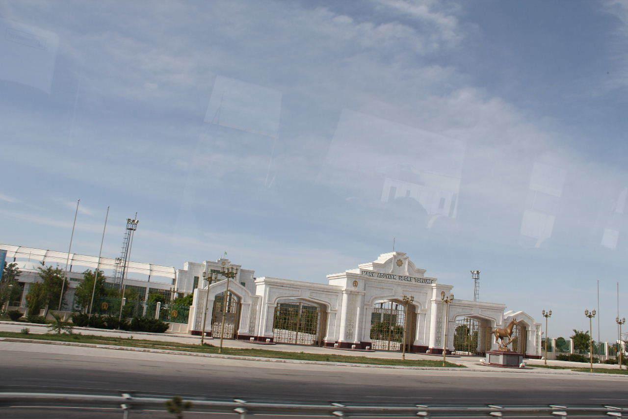 トルクメニスタンの旅(17) 世界遺産メルブ遺跡 キズカラ_c0011649_12535059.jpg