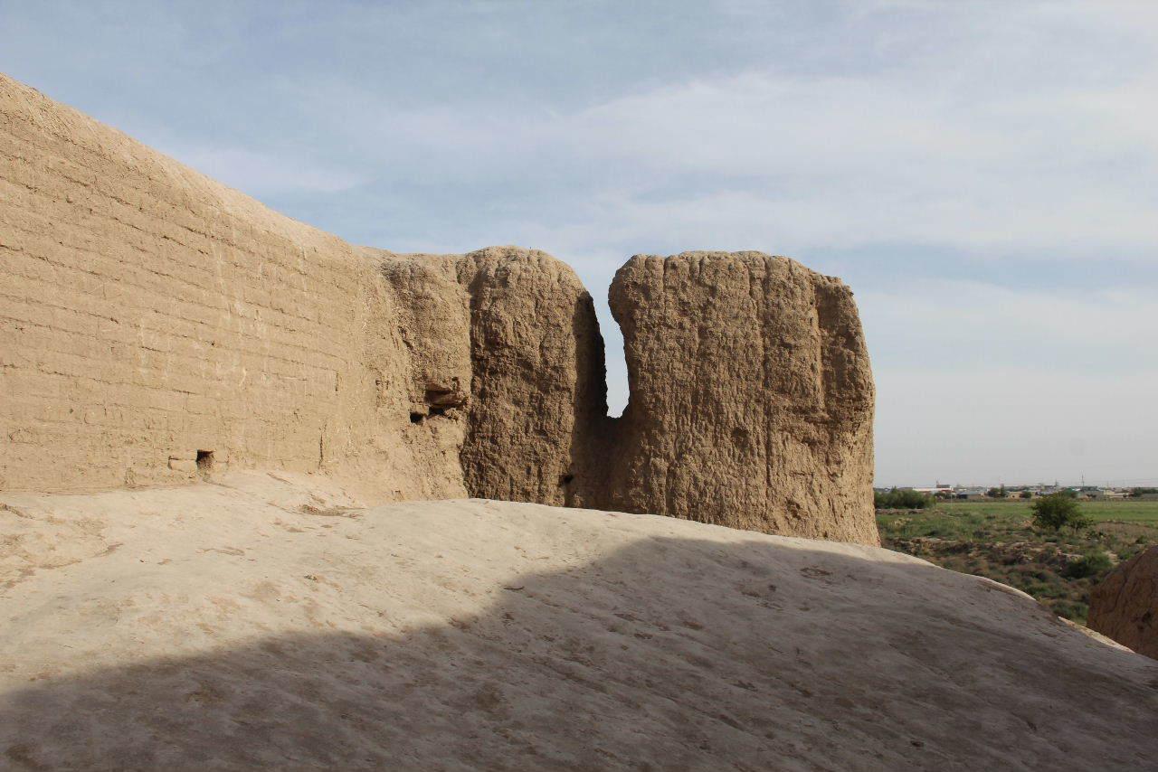 トルクメニスタンの旅(17) 世界遺産メルブ遺跡 キズカラ_c0011649_13290294.jpg