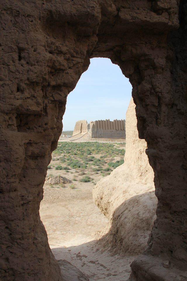 トルクメニスタンの旅(17) 世界遺産メルブ遺跡 キズカラ_c0011649_13295981.jpg