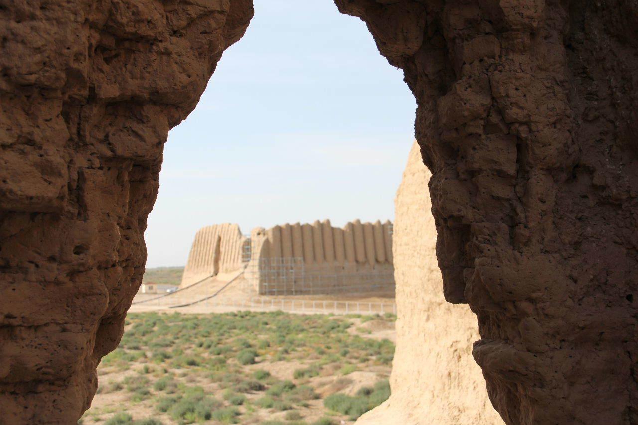 トルクメニスタンの旅(17) 世界遺産メルブ遺跡 キズカラ_c0011649_13310125.jpg