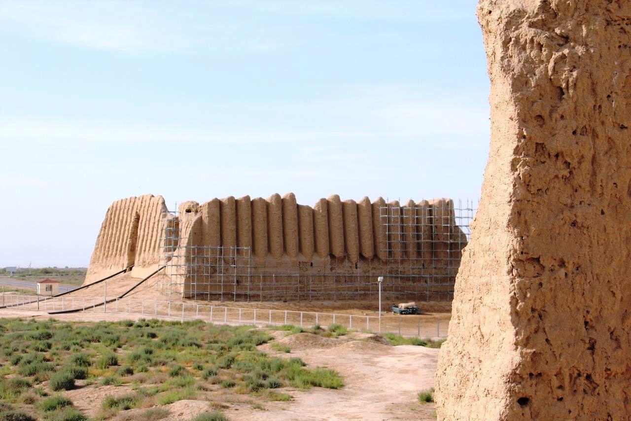 トルクメニスタンの旅(17) 世界遺産メルブ遺跡 キズカラ_c0011649_23393494.jpg