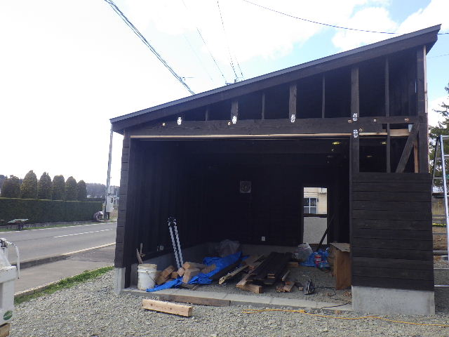 木造ガレージを造る  続き _f0105112_4363514.jpg