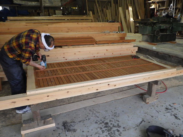 木造ガレージを造る  続き _f0105112_4402492.jpg