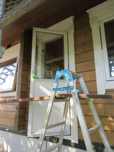室内間仕切壁と窓枠_e0123419_10252276.jpg