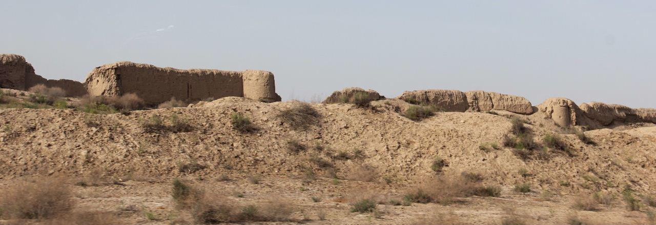 トルクメニスタンの旅(18) メルブ遺跡 エルク・カラ、グヤウル・カラ_c0011649_13402046.jpg