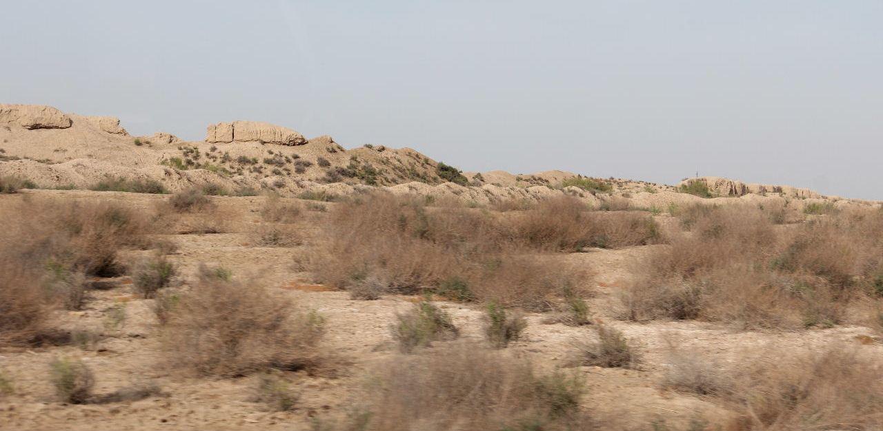 トルクメニスタンの旅(18) メルブ遺跡 エルク・カラ、グヤウル・カラ_c0011649_13411317.jpg