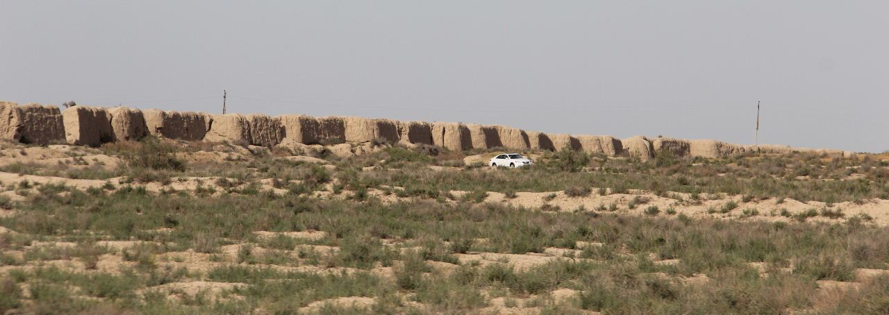 トルクメニスタンの旅(18) メルブ遺跡 エルク・カラ、グヤウル・カラ_c0011649_13420285.jpg