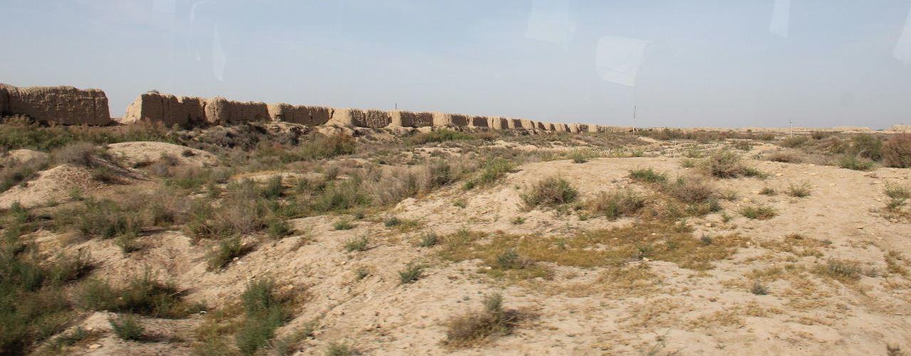 トルクメニスタンの旅(18) メルブ遺跡 エルク・カラ、グヤウル・カラ_c0011649_13440980.jpg