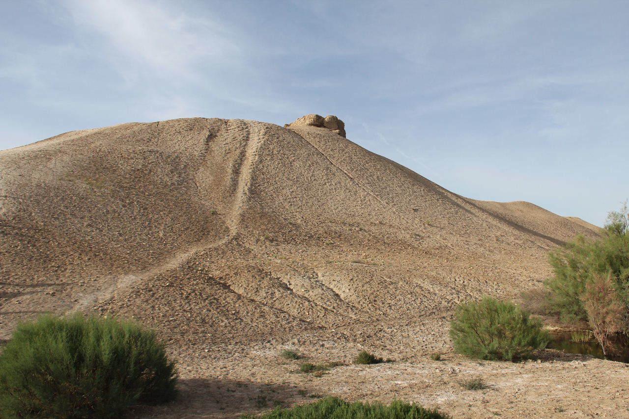 トルクメニスタンの旅(18) メルブ遺跡 エルク・カラ、グヤウル・カラ_c0011649_20283070.jpg