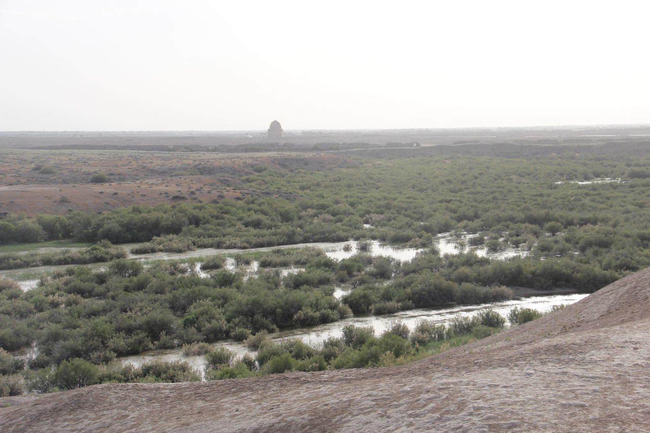 トルクメニスタンの旅(18) メルブ遺跡 エルク・カラ、グヤウル・カラ_c0011649_20343529.jpg