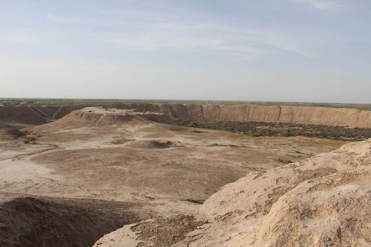 トルクメニスタンの旅(18) メルブ遺跡 エルク・カラ、グヤウル・カラ_c0011649_20352065.jpg