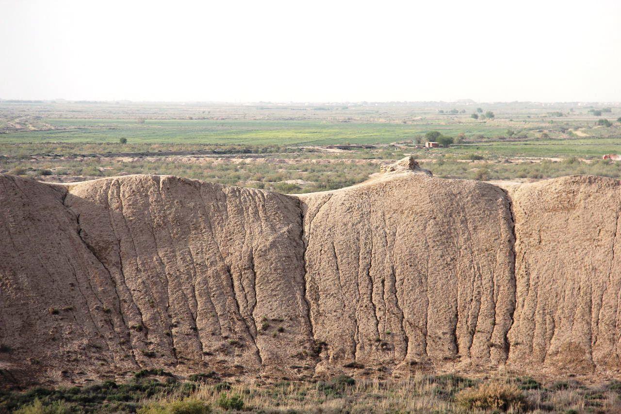 トルクメニスタンの旅(19) メルブ遺跡 スルタン・サンジャール廟_c0011649_22470953.jpg