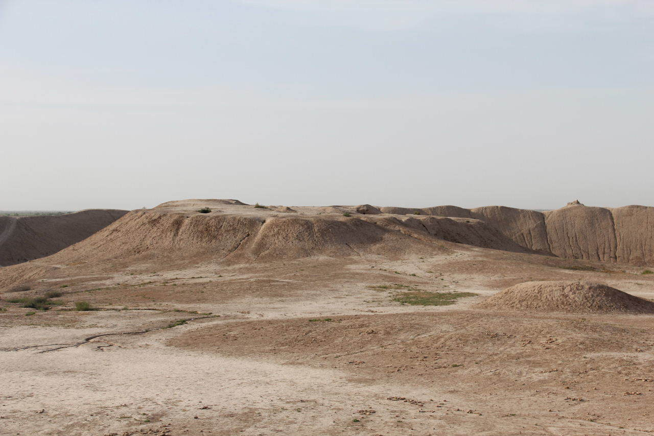 トルクメニスタンの旅(18) メルブ遺跡 エルク・カラ、グヤウル・カラ_c0011649_22473754.jpg