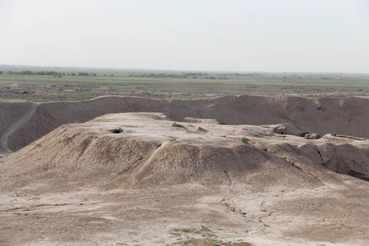 トルクメニスタンの旅(18) メルブ遺跡 エルク・カラ、グヤウル・カラ_c0011649_22531420.jpg