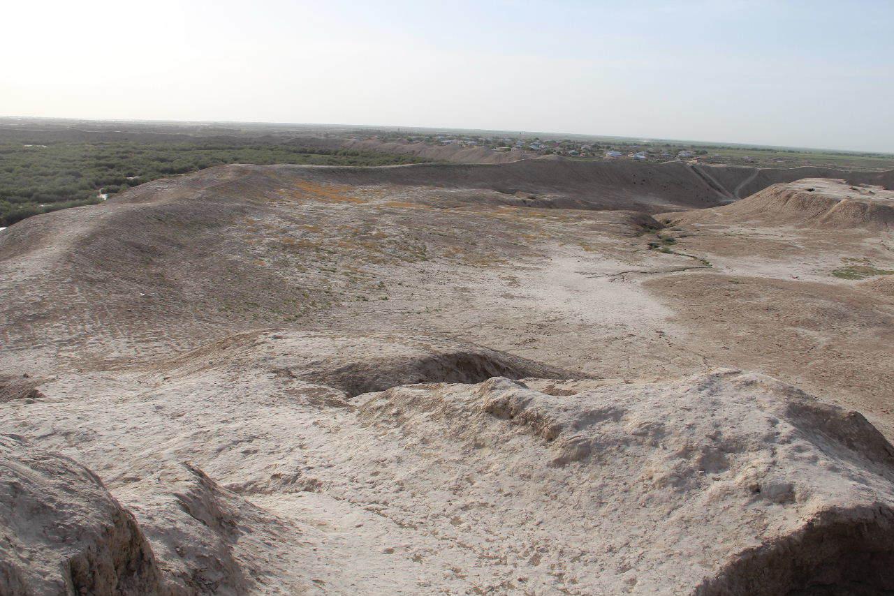 トルクメニスタンの旅(18) メルブ遺跡 エルク・カラ、グヤウル・カラ_c0011649_22541213.jpg