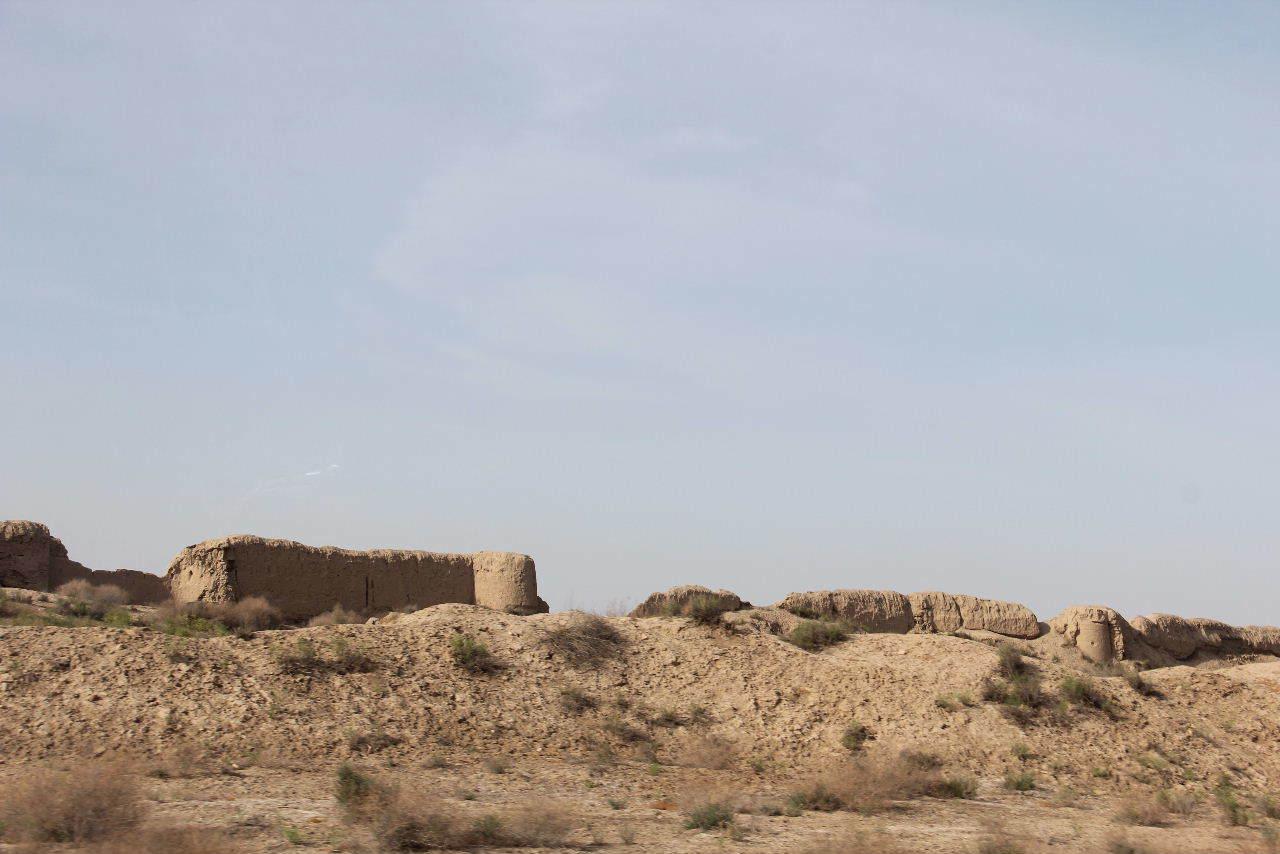 トルクメニスタンの旅(18) メルブ遺跡 エルク・カラ、グヤウル・カラ_c0011649_23001727.jpg