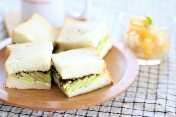 高級「生」食パンがやってきた_c0199544_21405207.jpg